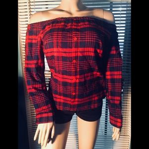 🆕💋Plaid Sexy Off Shoulder Long Sleeve Top💋🆕